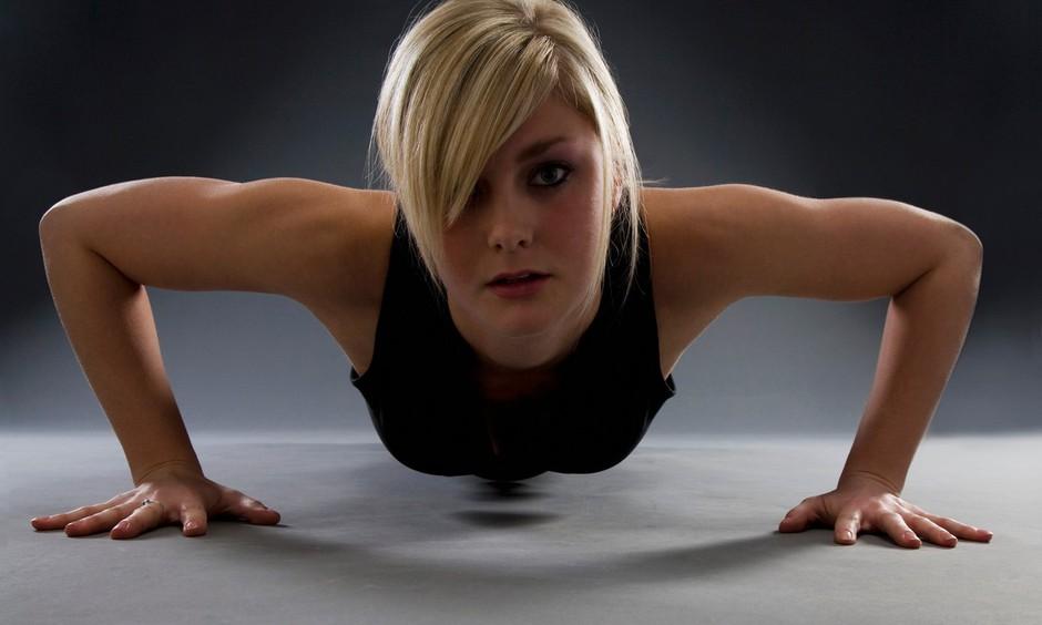 Nova revolucija fitnesa! Z vadbo brez naprav do vitkosti, moči in samozavesti! (foto: profimedia)