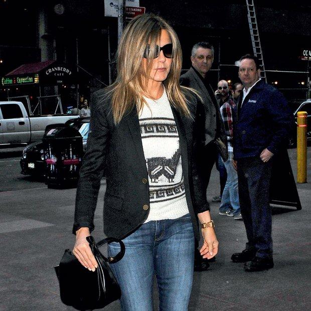 Jennifer Aniston še vedno nosi kavbojke iz Prijateljev