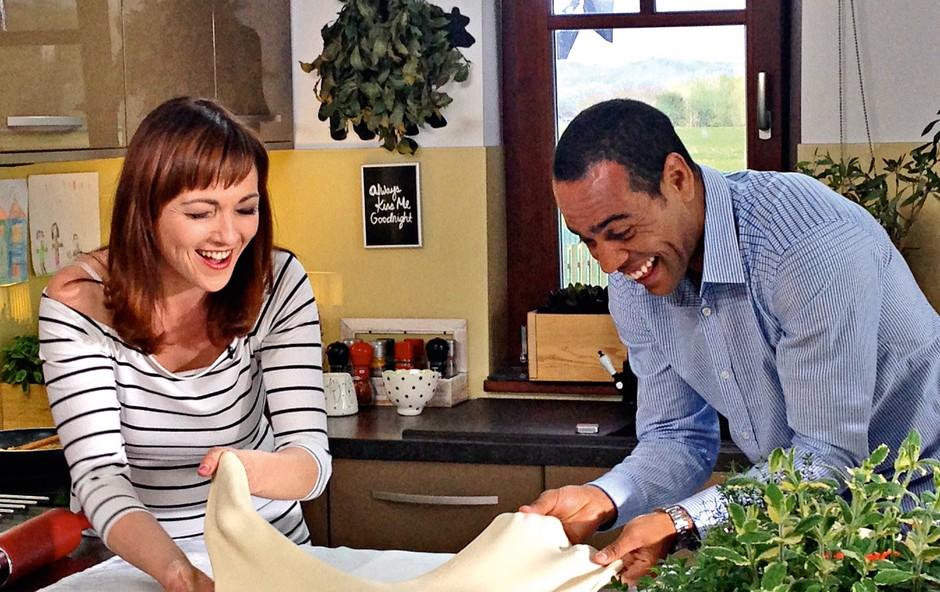 Polona je z Marcosom  v kuhinji ustvarjala  domače specialitete. (foto: P. Blantuša)