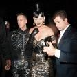 Katy Perry sredi trikotnika z Orlandom in Seleno
