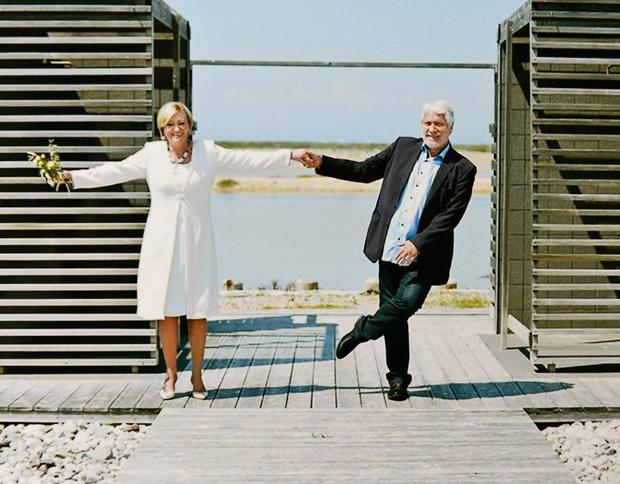 """""""Poročila sva se v Sečoveljskih solinah, poročila naju je Katja Pegan, kosili smo Pri Mari v Piranu in bilo je sijajno z ogromno smeha. To je to,"""" nam je na kratko odgovorila Ksenija dan po poroki. (foto: osebni arhiv, Facebook, Goran Antley, Primož Predalič, Sašo Radej, Story press)"""