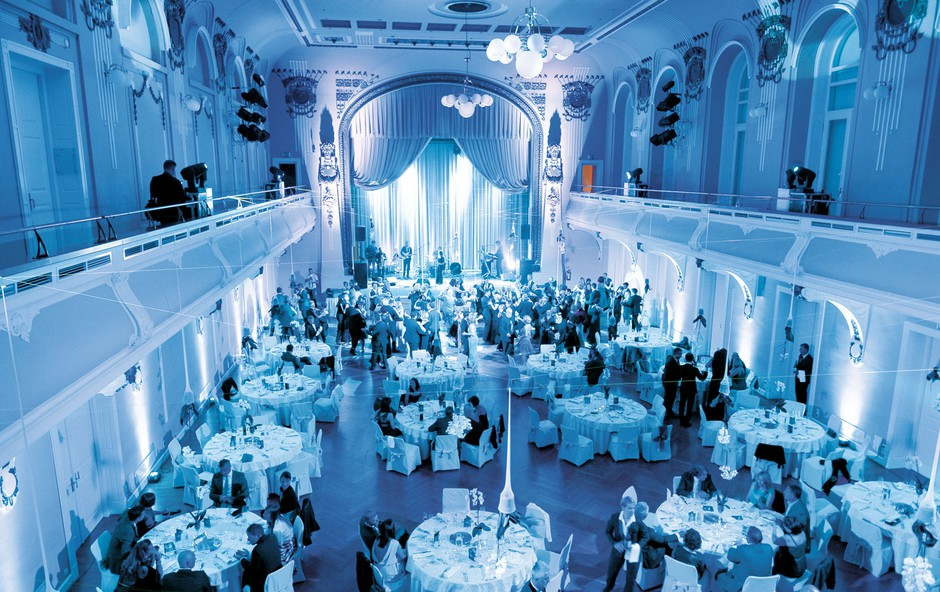 Eleganca Unionske dvorane ob 10. obletnici managerskega plesa. (foto: Primož Predalič)