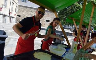 Člani Rotaract kluba Maribor s peko palačink zbrali 2.000,00 EUR prostovoljnih prispevkov in spekli rekordnih 1.000 palačink
