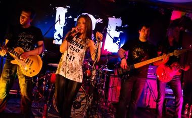 Renata Mohorič in I.C.E. predstavljajo novi singel 'V barvah smisel je'