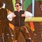 Mišo se je na šovu prvič preoblekel tudi v slovensko narodno nošo. (foto: arhiv POP TV, Miro Majcen, Primož Predalič, osebni arhiv)