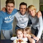 Pevec romskih korenin se bo poleti spočil in posvetil družini. (foto: arhiv POP TV, Miro Majcen, Primož Predalič, osebni arhiv)