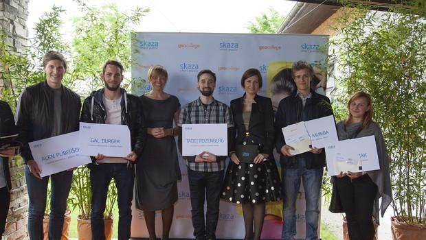 Dobitniki enoletnega mentorstva in prakse v podjetju Skaza (foto: Klemen Belavić)