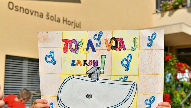 Osnovna šola Horjul: Po 40 letih do tople vode (foto: Robert Krumpak)