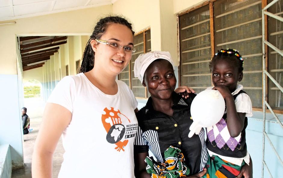 Nenavadne zgodbe: Mojca Kozinc, mlada zdravnica, ki je obiskala že lep del Afrike in Mehiko (foto: Arhiv Mojce Kozinc)