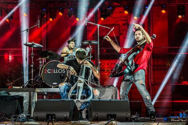 2Cellos v Stožicah s Simfoničnim orkestrom RTV Slovenija (foto: Simone Di Luca)