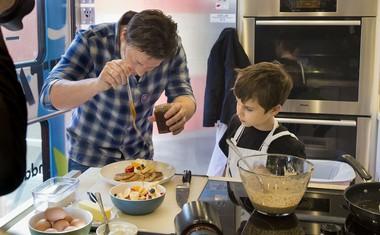 Jamie Oliver z recepti za zdravje in srečo: Superhrana za vsak dan!