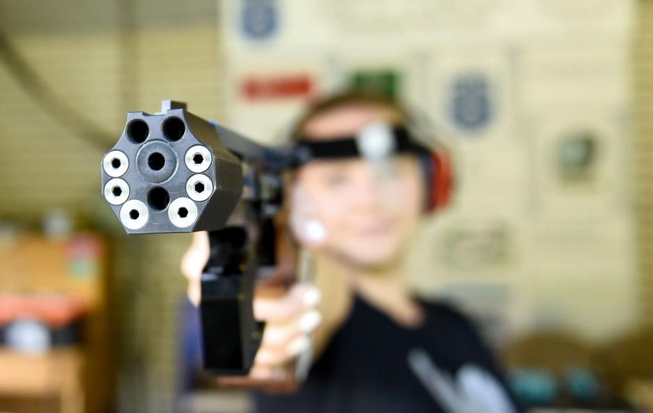 Pustite me pri miru, imam pištolo! Jana raziskuje! (foto: Igor Zaplatil)