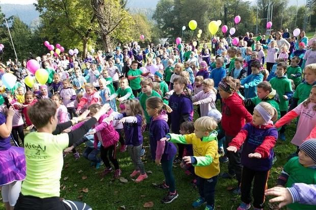 Pisano in veselo je bilo na 1. Skazinem dobrodelnem teku, na katerem je sodelovalo kar 420 otrok (foto: Katja Kodba)