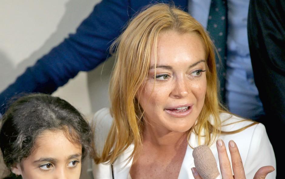 Lindsay Lohan je skoraj ostala brez prsta (foto: Profimedia)
