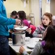 Drobtinica 2016: Topel obrok za otroke!