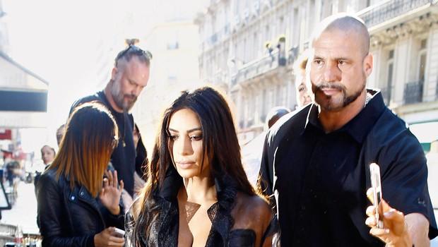 Kim Kardashian: Rop v Parizu pustil posledice (foto: Profimedia)
