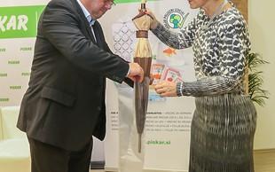 Slovenski trg je bogatejši za nov izdelek – vrečko za dežnik