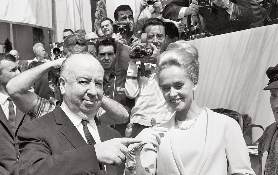 Ko sta se nekoč  vozila v limuzini, se je Alfred Hitchcock  vrgel nanjo in jo  hotel na silo  poljubiti. (foto: Profimedia)