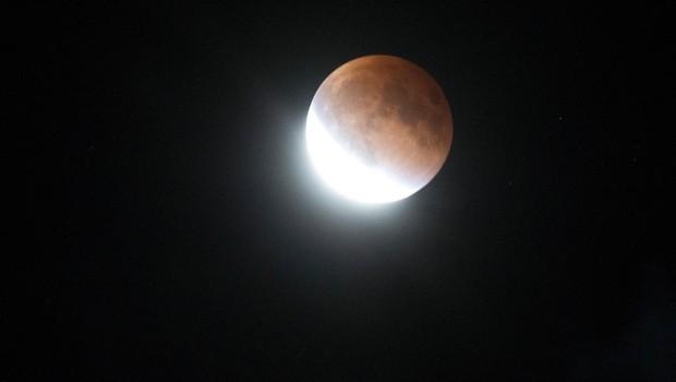 Ponedeljkovo nebo bo razsvetljevala super luna! (foto: profimedia)