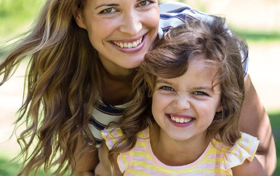 Mag.  Ana Bešter Bertoncelj: Kdaj ste zares  v stiku z otrokom? (foto: profimedia)