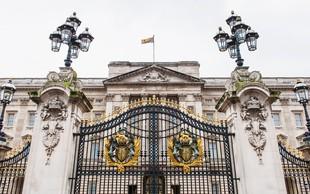 Britanci podpisujejo peticijo, da naj si kraljica sama plača obnovo palače!