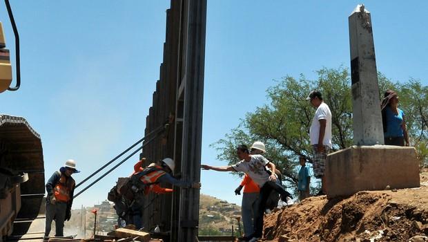 Zid med Mehiko in ZDA so pripravljeni graditi Mehičani, plačal pa ga bo vseeno Trump! (foto: profimedia)