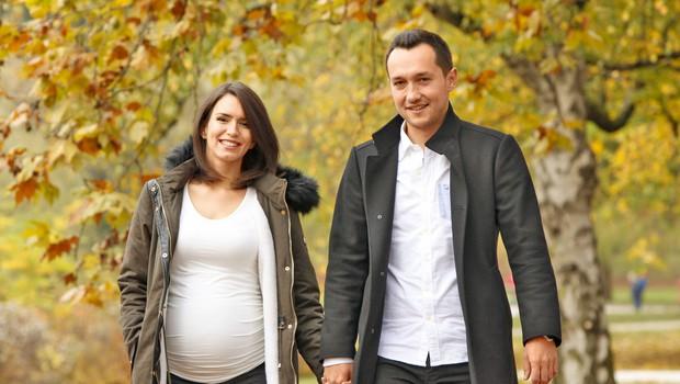 Nataša Gavranič in Blaž Jarc: Po novoletno darilo v porodnišnico (foto: Helena Kermelj)