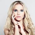 Nika Veger (Janina lepotna kolumna): Modro senčilo je spet v trendu!