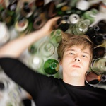 Alkohol je najbolj razširjena droga pri nas. (foto: Helena Kermelj)