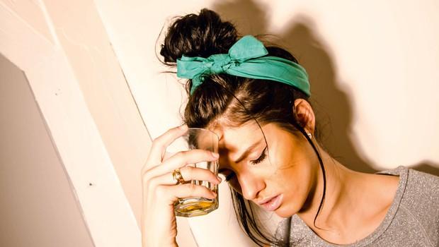 O alkoholizmu: Kaj človeka žene k pitju? (foto: Helena Kermelj)