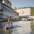 Kako je Manca Notar na deski preveslala Ljubljanico