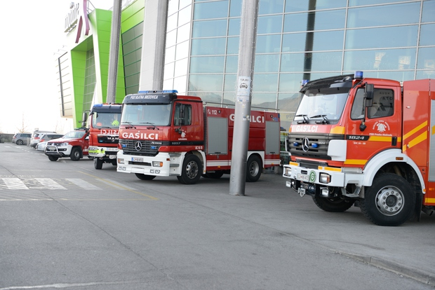 Z dobrodelno akcijo 'Za življenja gre' so opremili 52 prostovoljnih gasilskih društev! (foto: Planet Tuš)