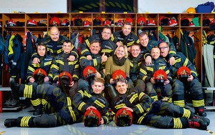 Vroči gasilci za ureditev družinske sobe v Porodnišnici Splošne bolnišnice v Šempetru pri Gorici