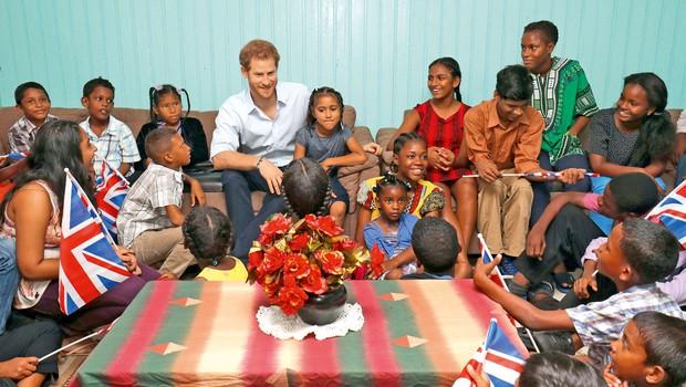 Princ Harry je obiskal zlorabljene, zanemarjene in revne otroke (foto: Profimedia)