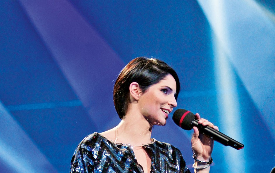 Pevka Lea Sirk se poskuša osredotočiti nase (foto: Goran Antley)