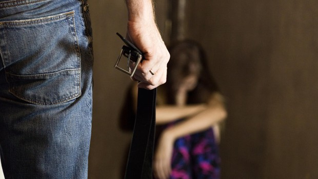 V Sloveniji  kar 400 tisoč ljudi nosi brazgotine spolnih zlorab! (foto: Profimedia)