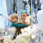 December si popestrijo z dekoracijo in skupnim ustvarjanjem daril. (foto: Primož Predalič)
