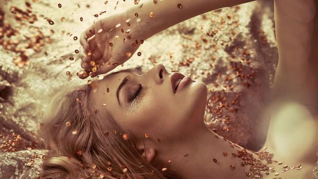 Vstopite v novo leto glamurozne, svetleče in bleščeče! (foto: Shutterstock)