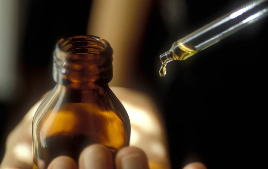 10 eteričnih olj, zaradi katerih boste obiske v lekarnah zmanjšali na minimum! (foto: profimedia)