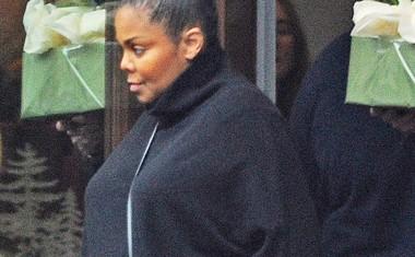 Janet Jackson je rodila! Prvič je postala mamica pri svojih 50. letih!