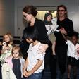 Angelina Jolie in Brad Pitt še brez končnega dogovora o skrbništvu