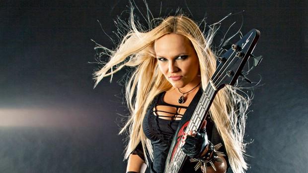 Basistka Saša Zagorc (Hellcats) je v Kanadi postala metalka meseca (foto: S.P.)