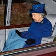 Kraljica Elizabeta II. je skoraj odvzela naziv vitez igralcu Davidu Jasonu