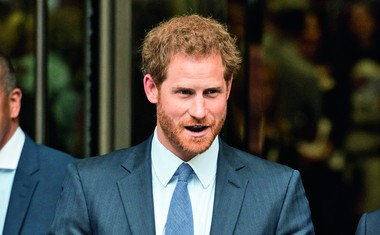 Princ Harry je svojo izbranko peljal na ogled severnega sija