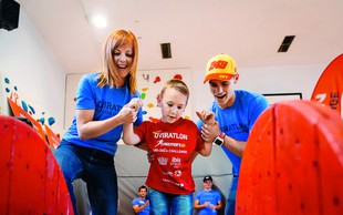Otroci na rehabilitaciji so premagovali mini oviratlon