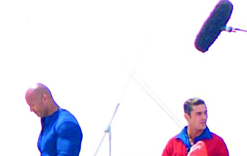 The Rock in Zac Efron bosta po novem reševalca (foto: Profimedia)