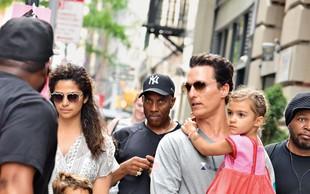 Igralca Matthewa McConaugheyja žena podpira na vsakem koraku