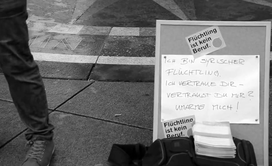 Sirski begunec v Berlinu spisal knjigo o svoji izkušnji z Nemci (foto: profimedia)