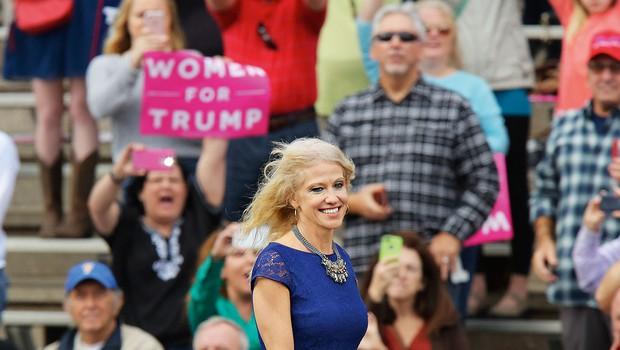 """Republikanka Kellyanne Conway: """"Politiki bodo morali prisluhniti perečim težavam malega človeka!"""" (foto: profimedia)"""