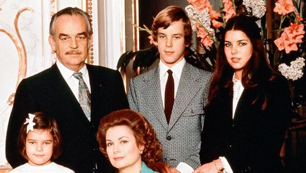 Princesa Caroline priznala, da je bila bolj navezana na varuško kot na svojo slavno mamo Grace Kelly (foto: Profimedia)